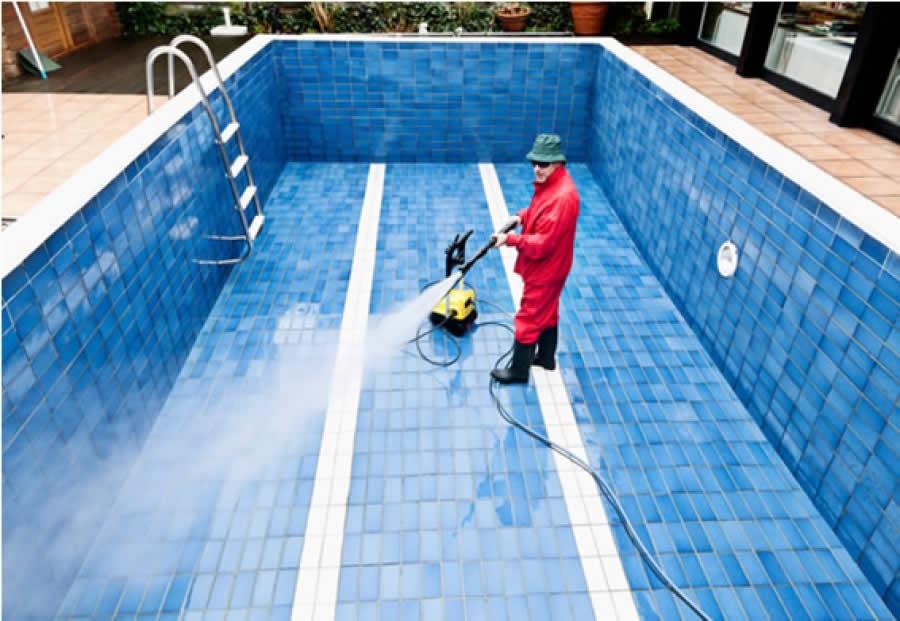 Limpiezas de piscinas en barcelona - Piscina en barcelona ...